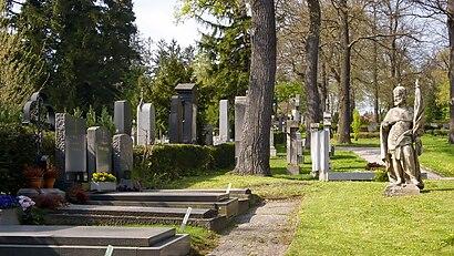 So kommt man zu dem Hütteldorfer Friedhof mit den Öffentlichen - Mehr zum Ort Hier