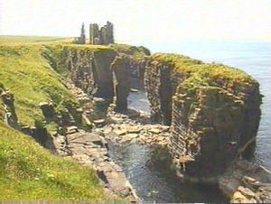 Clan Sinclair - The ruins of Castle Sinclair Girnigoe, historic seat of the Earls of Caithness, chiefs of Clan Sinclair