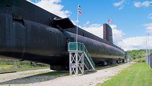 HMCS Ojibwa (S72) - Image: HMCS Ojibwa side