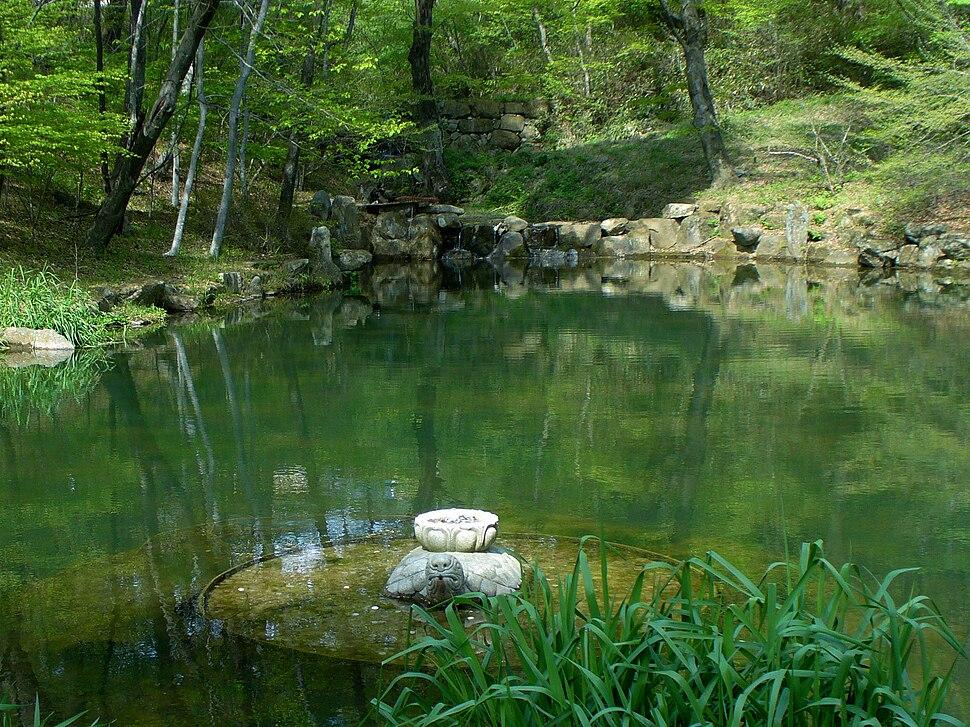 Haeinsa-monastery-pond-of-reflection