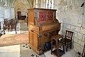 Harmonium (Dumont-Lelièvre 1890) dans l'église Saint-Sauveur de Beaumont-en-Auge.jpg