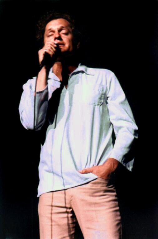 Harry Chapin singing