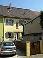 Haus mit Zunftsäule in Kenzingen.jpg
