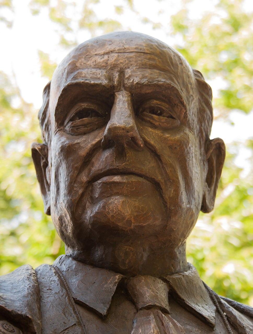 Head of sculpture of Manuel Fraga Iribarne
