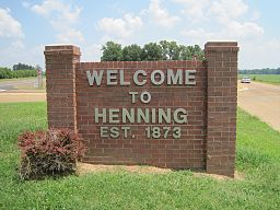 Henning TN welcome sign US51 02.jpg