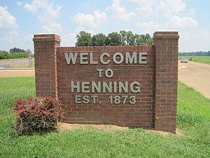 Henning, Tennessee - Image: Henning TN welcome sign US51 02