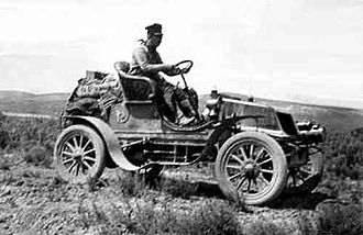 "Winton Motor Carriage Company - 1903 Horatio Nelson Jackson in his 2-seat Winton tourer, ""The Vermont"", drives across America"