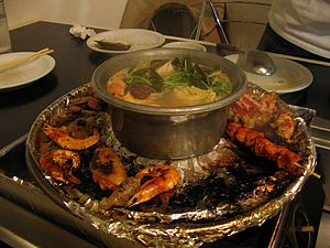 Fire pot - Hot pot with grill surrounding it