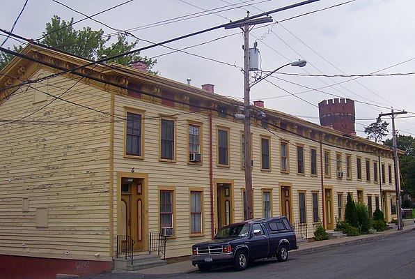 Houses at 37–47 North Fifth Street