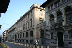 La storica sede del Corriere della Sera a Milano.