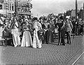 Inhuldiging koningin Juliana. Rijtoer met de Gouden Koets door Amsterdam.De buit, Bestanddeelnr 900-0207.jpg