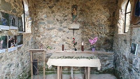 Interior Ermita Santa Maria del Montnegre.jpg