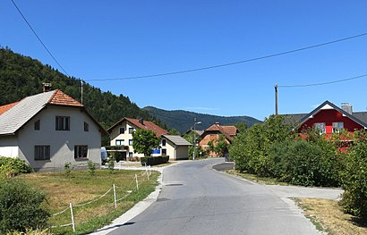How to get to Iška Vas with public transit - About the place