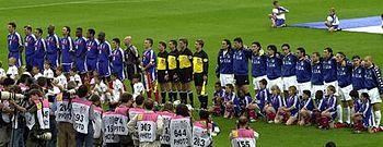 Panorámica de las formaciones iniciales en la final de la Eurocopa 2000.