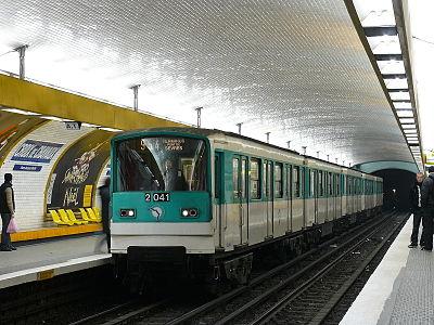 Croix de Chavaux (metropolitana di Parigi)