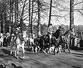 Jagermeester De Modderman (midden) bij vertrek, Bestanddeelnr 918-4132.jpg