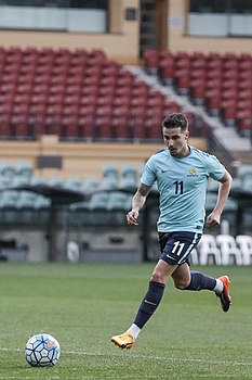 Jamie Maclaren training with the Socceroos June 2017.jpg
