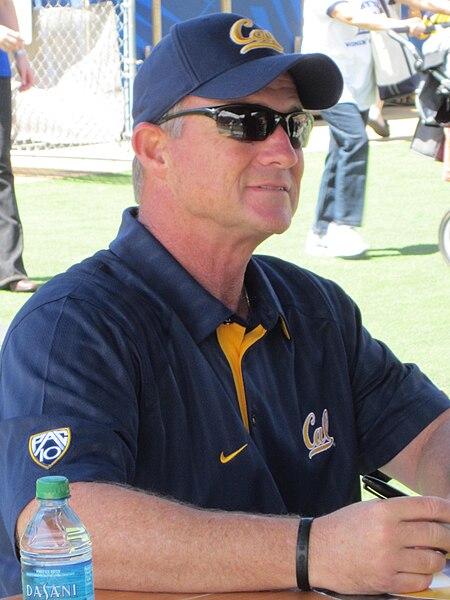 File:Jeff Tedford at 2010 Cal Fan Appreciation Day 2.JPG