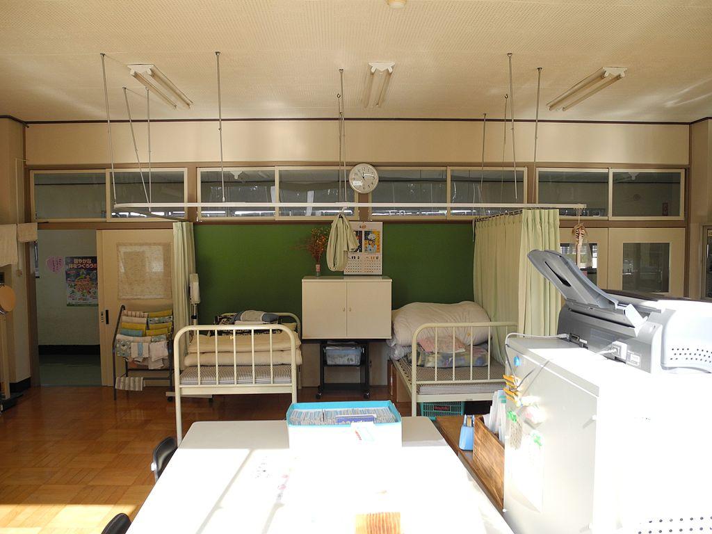 Room Decorating Simulator File Jinego Elementary School Nurses Office Side Jpg