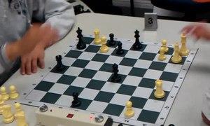 File:Joaquin Perkins blitz chess vs USCF expert.webm