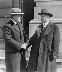 John Hill and John Linthicum shaking hands.jpg