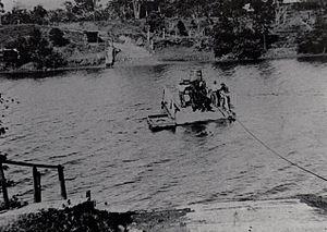 Johnstone River Ferry at Geraldton.jpg