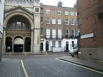 West London Synagogue - The synagogue, shown from the junction of Hampden Gurney Street and Upper Berkeley Street