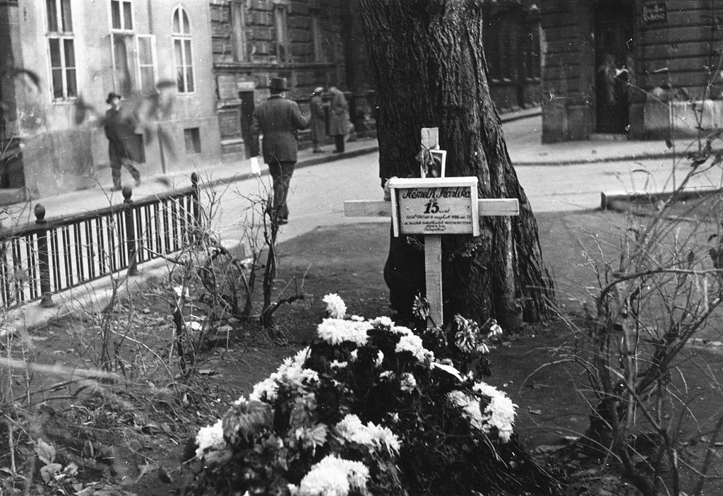 Mort pour une Hongrie libéré des Staliniens, Budapest en 1956. FOTO:FORTEPAN / Pesti Srác2