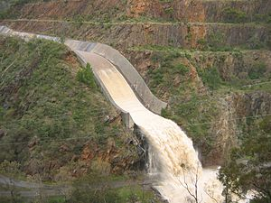 Kangaroo Creek Reservoir - Reservoir spillway overflowing in November 2005