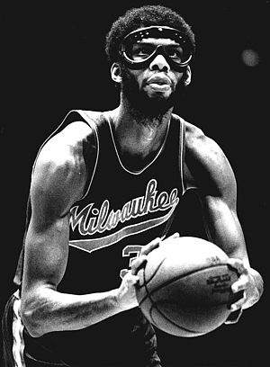 Milwaukee Bucks - During his six seasons with the Bucks, Abdul-Jabbar averaged 30.4 points and 15.3 rebounds per game.