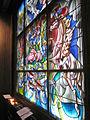 Kerzenbank Glasfenster Sihlcity.jpg