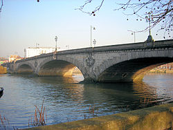 Kew Bridge, London..jpg