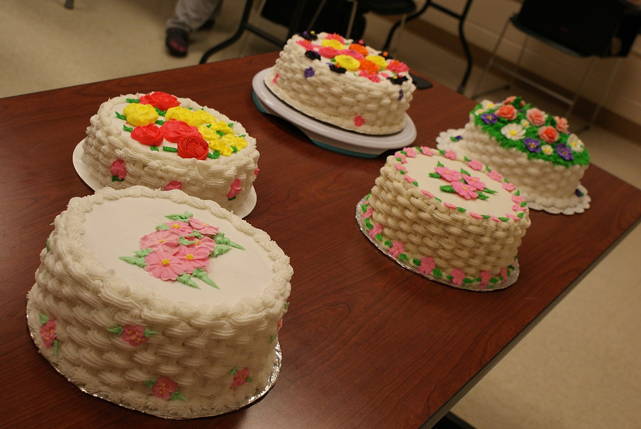 File:Kids-cakes Cake-supplies Make-your-own-wedding-cake