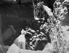 Kristos och Alfred Westholm fingräver. Kition. utgrävning. Larnaca - SMVK - C01717.tif