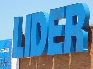 Líder store signage