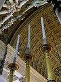 La Roche-sur-Yon. Voute à caissons, chandeliers et baldaquin de l'Eglise Saint-Louis.JPG