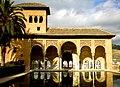 La alberca del Jardín del Partal y la Torre de las Damas - Alhambra de Granada, España. - panoramio.jpg