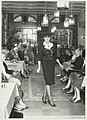 Landgoed Beeckestijn in het koetshuis wordt een modeshow gehouden. NL-HlmNHA 54023556.JPG