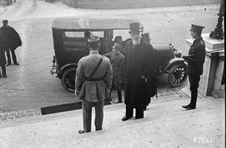 Albert Apponyi - Treaty of Trianon; 1920. Albert Apponyi standing in the middle