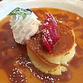 Leche Flan. Good...really smooth. But not as good as mom's. (13976214350).jpg