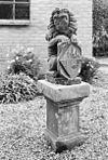 leeuw op voetstuk - buren - 20045227 - rce