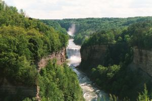 Letchworth State Park – Middle Falls am Genesee River