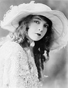 Lillian Gish-edit2.jpg