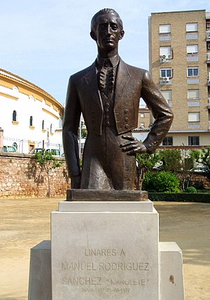 Manolete - Monument to Manolete in front of the bullring in Linares