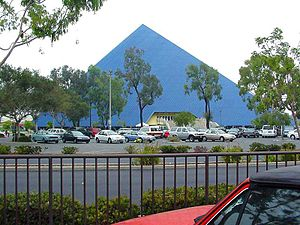 Pyramid, Long Beach, California English: