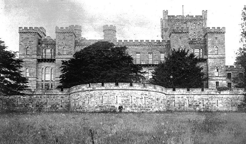 File:Loudoun Castle Galston.jpg