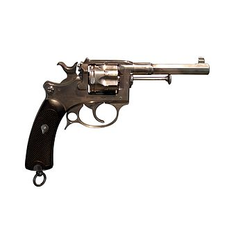 Modèle 1892 revolver - The MAS 1887, a variant of the MAS 1885 chambred in 8mm, and precursor to the MAS 1892