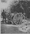 M 51 8 la défense de Belgrade artilleurs visant.jpg