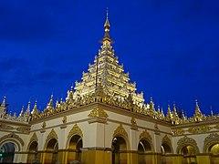 Mahamuni Buddha Temple 10.jpg