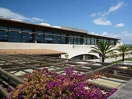 Main Building Aéroport de Toulon-Hyères.JPG